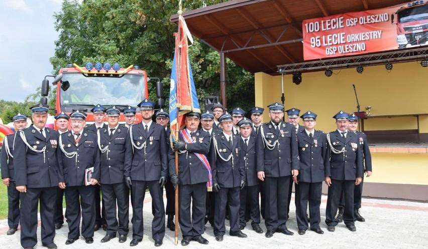 Ochotnicza Straż Pożarna w Olesznie świętowała 8 lipca wielki, podwójny jubileusz.