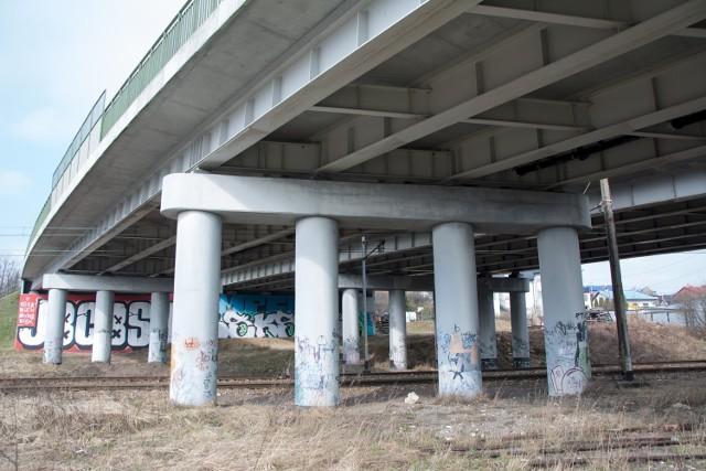 Remont wiaduktu nad torami kolejowymi w Olkuszu, w ciągu DK 94, rozpocznie się pod 29 czerwca czerwca 2021 i zakończy w połowie października tego samego roku