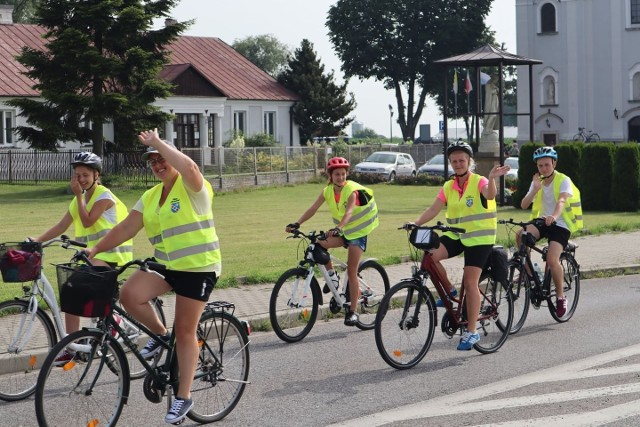 W środę rano wyruszyła rowerowa pielgrzymka na Jasną Górę ze Starej Błotnicy. Pątnicy mają do pokonania około 200 kilometrów.