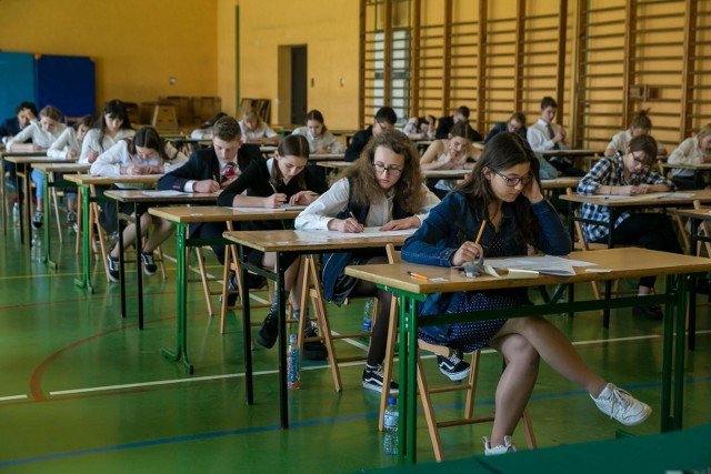 Próbny egzamin gimnazjalny z Operonem. 4.12. gimnazjaliści zmierzą się z częścią humanistyczną. W GK opublikujemy klucz odpowiedzi.