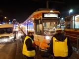 Zderzenie tramwajów w centrum Łodzi! Ruch wstrzymany! Są ranni. ZDJĘCIA 30.01.2021