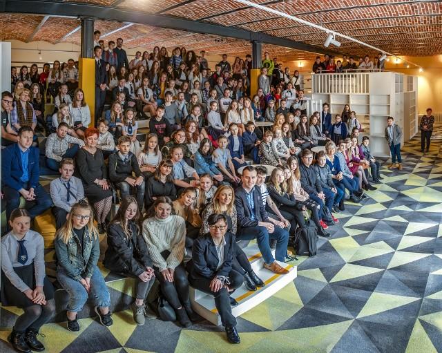 Projekt powołania Młodzieżowej Rady Miejskiej zrodził się podczas lutowego spotkania w mediatece prawie 200 przedstawicieli uczniowskich samorządów