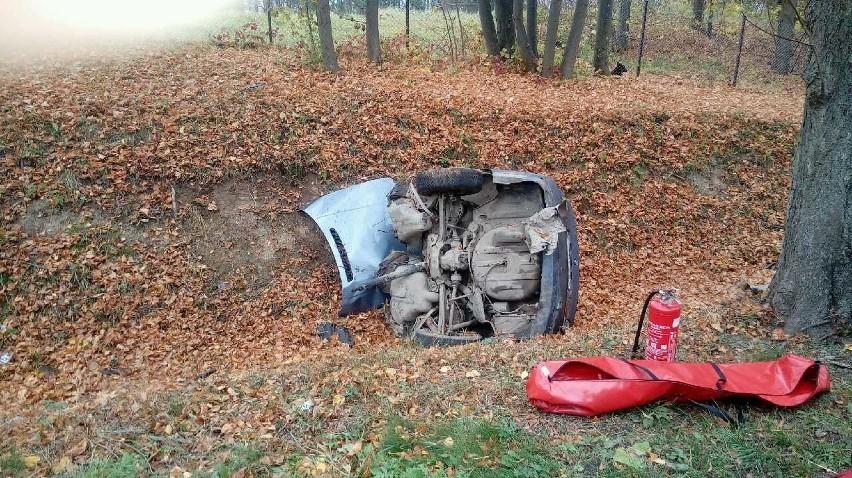 Mrągowo. Tragiczny wypadek. Samochód rozerwał się na dwie części