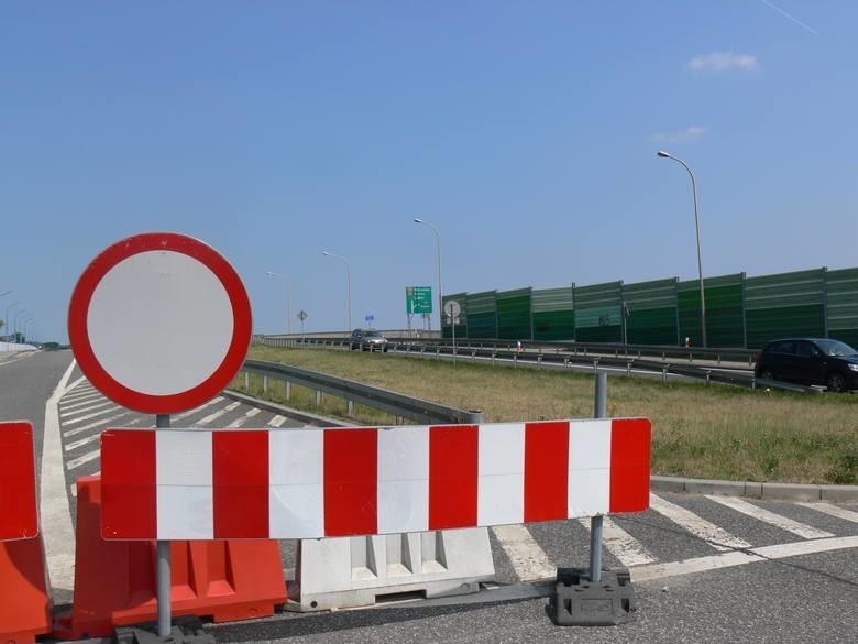 Z mostu na Wiśle  będą dwa pasy zjazdu z dodatkowym pasem...