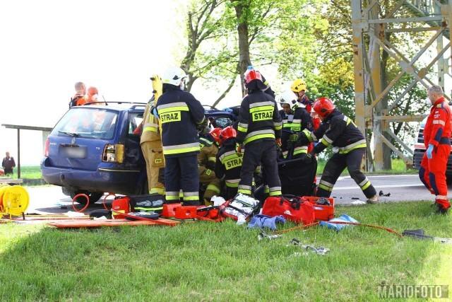 Wypadek w Źlinicach. Nie żyje pasażerka volkswagena.
