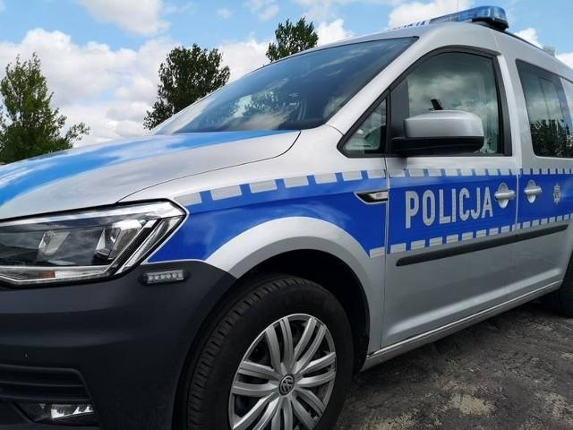 Zatrzymany przez funkcjonariuszy kierowca renault swoją ucieczkę miał się tłumaczyć strachem przed policją.