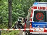 Wypadek na trasie Turawa Rzędów. Fiat punto uderzył w drzewo. Na miejscu zginął kierowca. Droga jest zablokowana