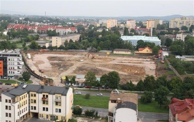 Prace przy budowie Galerii Korona na razie nie zostaną wstrzymane. fot. D. Łukasik