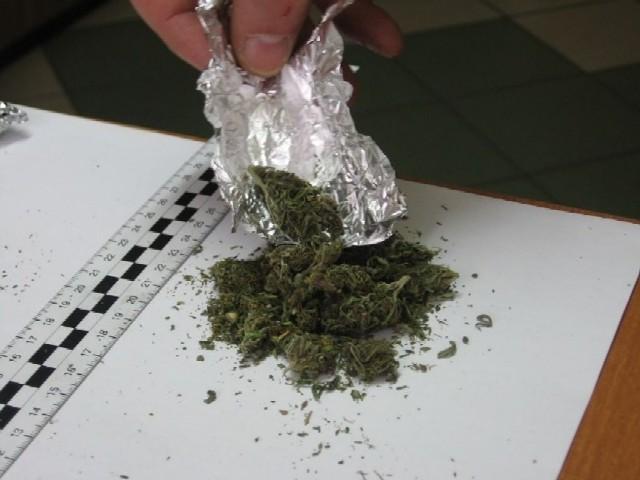 30-letni mieszkaniec powiatu brodnickiego miał w aucie kilogram marihuany
