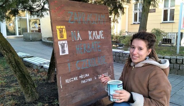 Kawiarnię Kawa u Agaty otworzyła Agata Rowecka - absolwentka Instytutu Sztuk Wizualnych Wydziału Artystycznego Uniwersytetu Zielonogórskiego