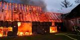 Pożar w Starkowie. Spalił się budynek gospodarczy [ZDJĘCIA]