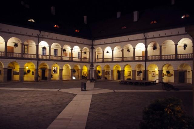 XIV-wieczny Zamek Królewski w Niepołomicach. Rada Miejska zgodziła się utworzenia spółki, która zajmie się zarządzaniem i utrzymaniem zabytku oraz prowadzeniem zamkowych hotelu i restauracji