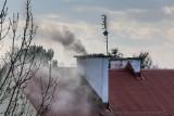 Smog w Łodzi. Najlepiej nie wychodzić, jeśli już, to w masce przeciwpyłowej