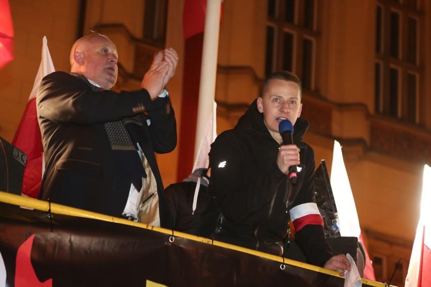 Piotr Rybak i Jacek Międlar podczas manifestacji 11 listopada 2016 roku