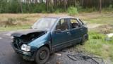 Daewoo koziołkowało za Nowogrodem Bobrz. Kierowca uciekł