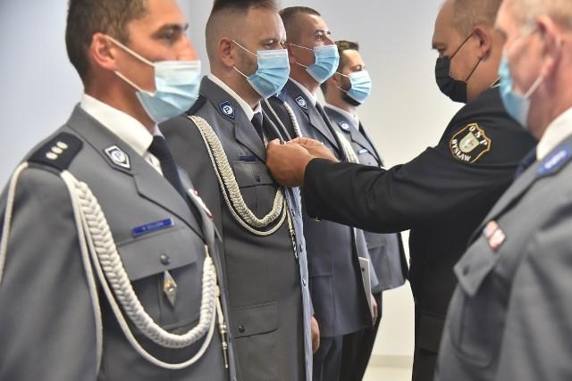 Awanse dostało 24 policjantów z powiatu tucholskiego