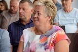 """Grażyna Kędzierska, dyrektorka Biblioteki Publicznej w Sępólnie, z nagrodą marszałka. """"Czytelnik to nie petent a partner"""""""