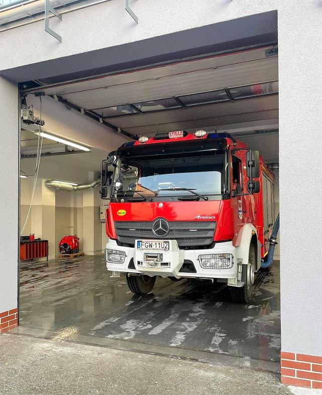 Od niedawna strażakom ochotnikom z Deszczna służy nowy garaż.