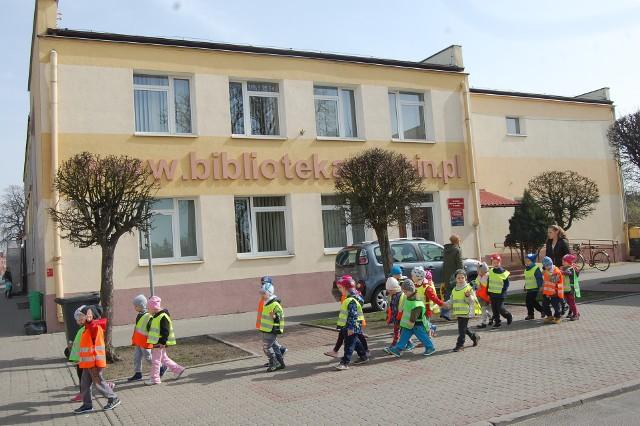 Od poniedzialku 4 majaj czynna jest  Rejonowa Biblioteka Publiczna w Szubinie