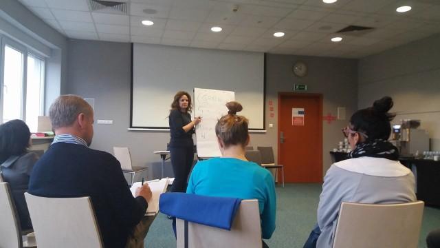 Mentorzy  programu Early Warning Europe uczestniczą wwarsztatach przygotowujących do pracy z przedsiębiorcami i rozwijających ich własne kompetencje
