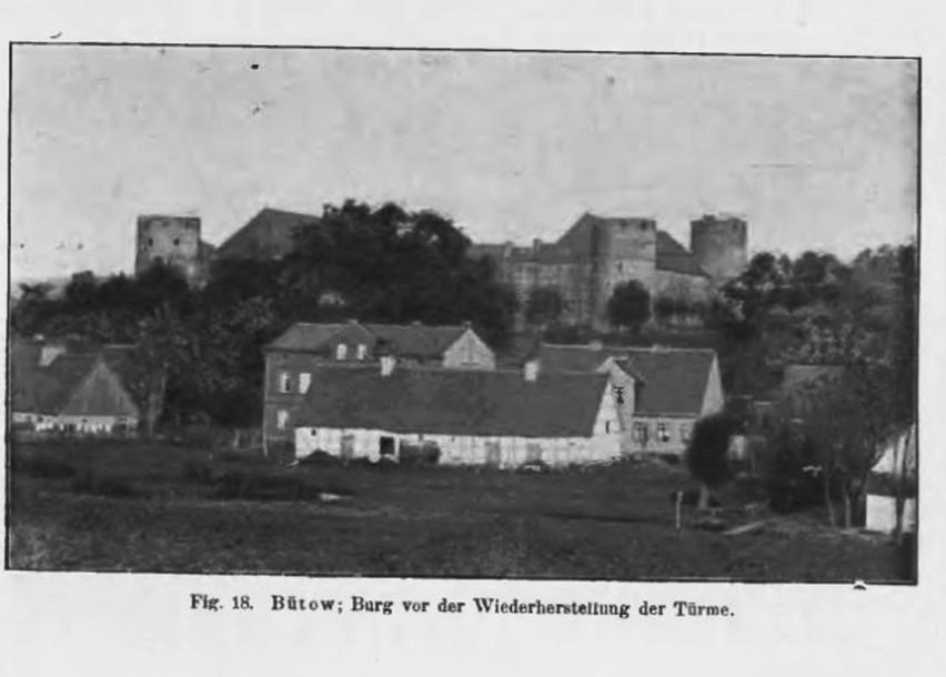 Zamek praktycznie do XX wieku nie podniósł się do dawnej świetności, gdyż jeszcze na początku XX wieku baszty zamku nie miały daszków. Fot. Archiwum