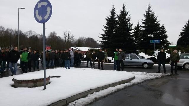 Strajk w JSW: Górnicy ruszyli na ulice. Blokada ronda Jastrzębia-Zdroju
