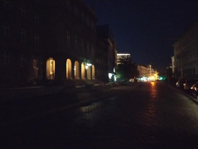 Od tygodnia nie działa praktycznie żadna latarnia na ul. 1 Maja.  Zupełnie ciemno jest na również na ul. Korfantego, ul. Dekabrystów oraz na odcinku ul. Katowickiej od ul. 1 Maja do Armii Krajowej.