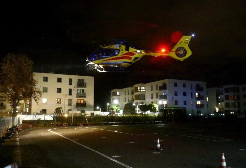 Helikopter LPR ladował przy ul. Sołtysowickiej we Wrocławiu....