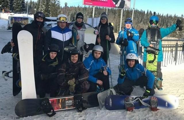 Żużlowcy Fogo Unii na obozie w Świeradowie-Zdroju mają doskonałe warunki do jazdy na nartach