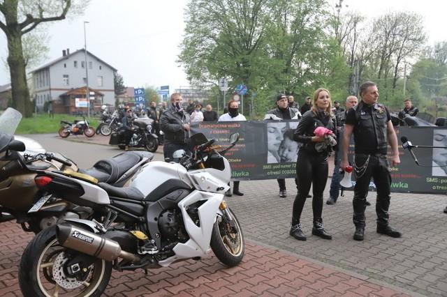 Motocykliści przyłączyli się po raz kolejny do wyścigu z czasem i walki o powrót Oliwki do zdrowia Zobacz kolejne zdjęcia/plansze. Przesuwaj zdjęcia w prawo - naciśnij strzałkę lub przycisk NASTĘPNE