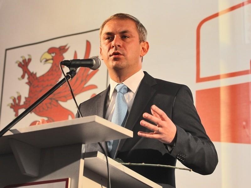 Grzegorz Napieralski, lider SLD, jest najlepiej opłacanym politykiem z naszego regionu.