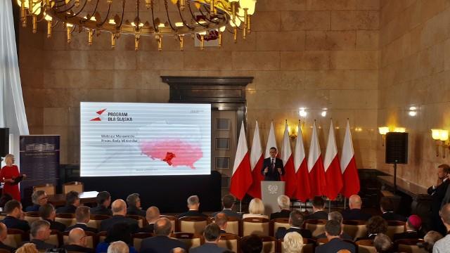 Premier Mateusz Morawiecki w Śląskim Urzędzie Wojewódzkim promował Program dla Śląska