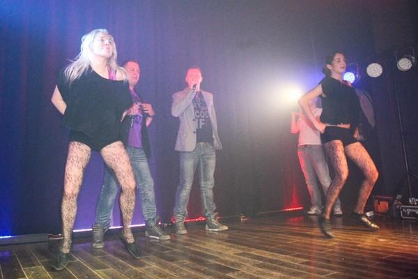 Podczas koncertów disco polo koniecznie muszą występować tańczące dziewczyny.