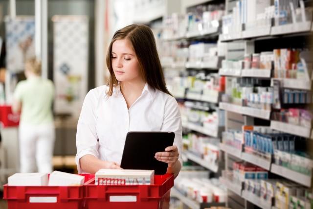 """W pilnych przypadkach aptekarz wyda lekarstwa w """"godzinach dla seniorów"""""""