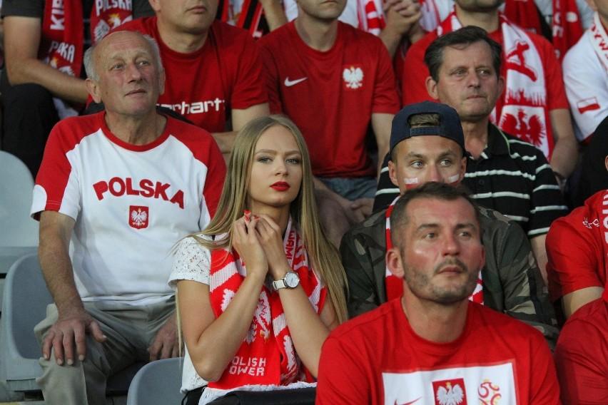 Kibice w Polsce wracają na stadiony! Od kiedy będzie można...
