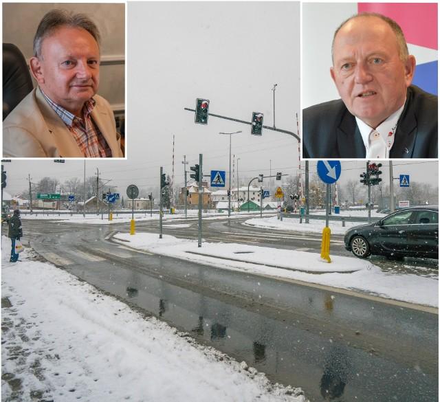 Burmistrz Jan Golba (z lewej) nie chce zgodzić się, żeby obwodnicą jeździły tiry. Leszek Zegzda (z prawej) twierdzi, że tak nie może być.