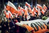 """Marsz pamięci """"Burego"""" ulicami Bydgoszczy. Wcześniej msza u Jezuitów [zdjęcia, wideo]"""