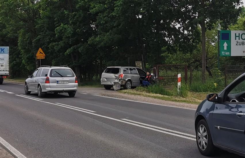 Kuriany. Wypadek autobusu PKS Nova. Żołnierz pomagał...
