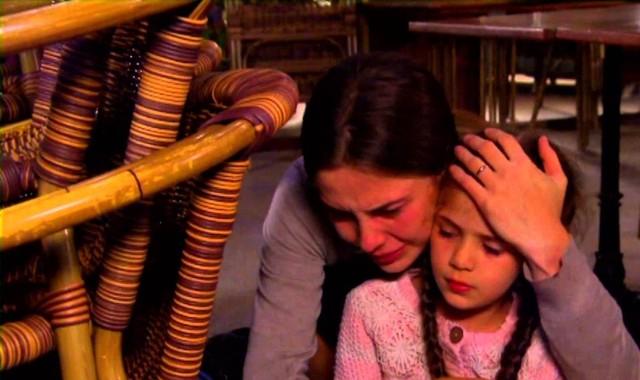 """Arzu wywozi Elif do lasu. Veysel zaczyna się bać o własne życie; grozi, że zrobi krzywdę Melek. Sprawdź, co wydarzy się w 15. odcinku serialu """"Elif""""."""