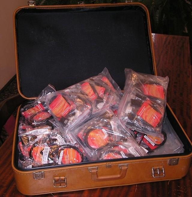 W walizce były przewody, a nie bomba czy skarby.