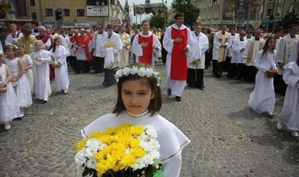 Tradycyjnie największa procesja w Białymstoku przejdzie ulica Lipową