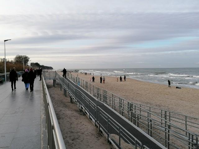 Spacer po plaży w Sarbinowie