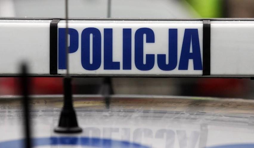 Stłuczka autobusu z volkswagenem na skrzyżowaniu ul. Związkowej i Choiny