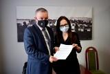 Nowa firma zadba o zdrowie mieszkańców Skalbmierza. Umowa już podpisana. Parter przychodni przeszedł gruntowny remont  (ZDJĘCIA)