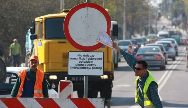 Zachowanie kierowców rozzłościło drogowców.
