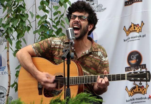 W Fado Cafe zaśpiewał Joao de Sousa z Portugalii. Był to pierwszy plenerowy koncert z udziałem publiczności w Grudziądzu.