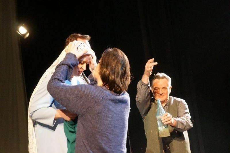 Teatr Dramatyczny. Sońka, czyli teatr w teatrze i poszukiwanie tożsamości (zdjęcia, wideo)