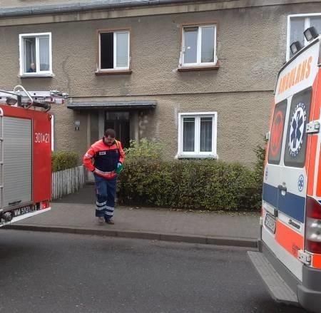 Na miejsce zdarzenia wezwano karetkę pogotowia, policję oraz straż pożarną.