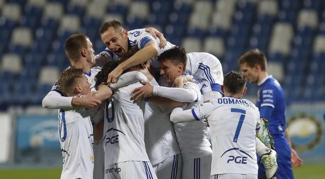 PGE Stal Mielec wygrywa ważny mecz z Podbeskidziem Bielsko-Biała 2:1.RELACJA Z MECZU ---> TUTAJOpinie trenerów: