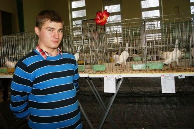 Marcin Kępa zdobył pierwsze miejsce. Sędziowie najwyżej ocenili hodowanego przez niego srebrniaka.